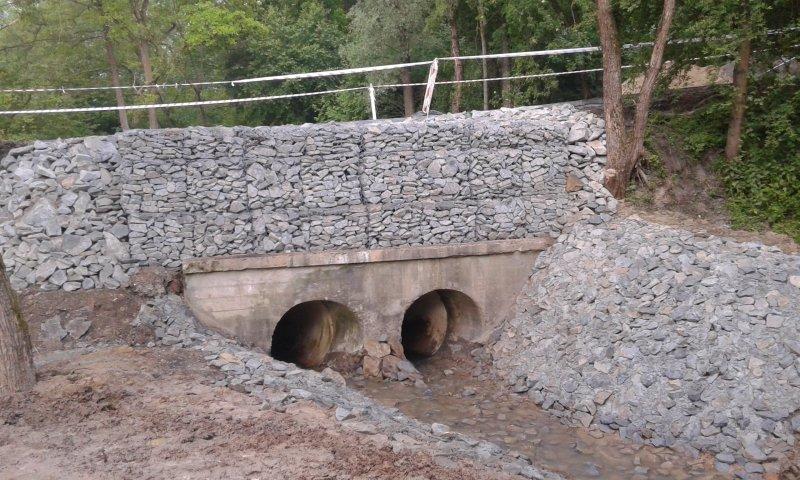 Nowy przepust na rzece Krzywica w Konarach