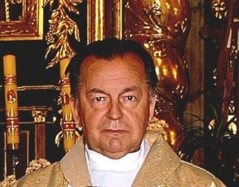 Ś. P. Ksiądz Władysław Wiecheć - życiorys