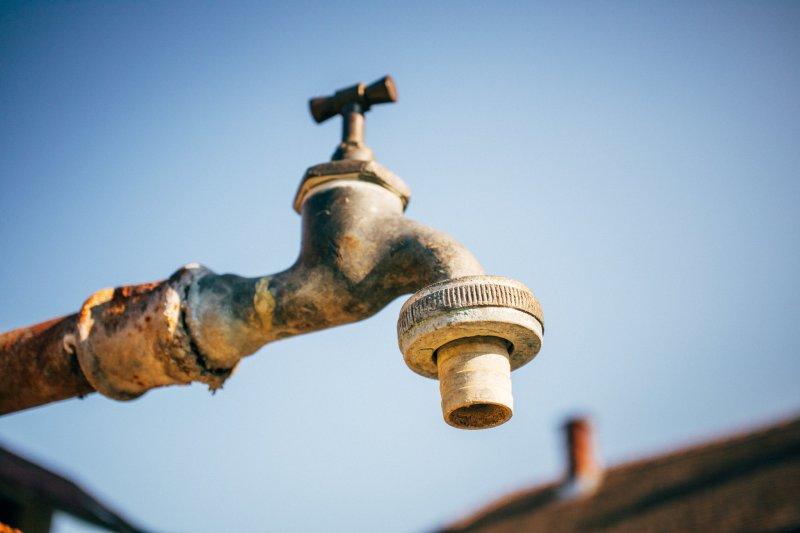 Kolejny raz brakuje mieszkańcom wody w kranach