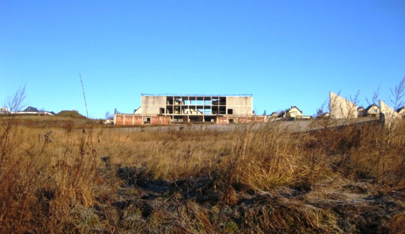 Ile stracili mieszkańcy gminy Mogilany z powodu szalonego pomysłu budowy gimnazjum?