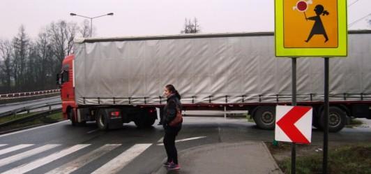 Kiedy nastąpi poszerzenie zjazdu z zakopianki w ulicę Żary?